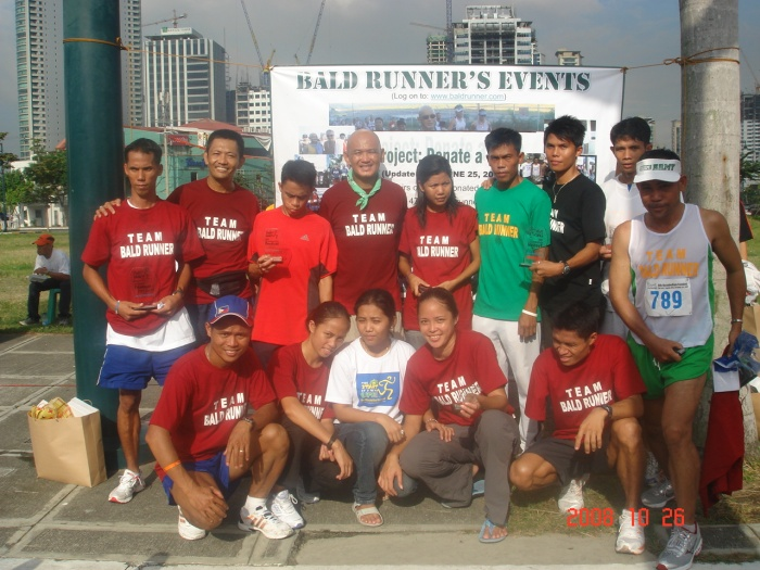 "Members of ""Team Bald Runner"""