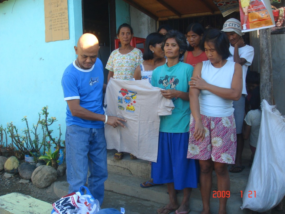 DelQ's T-Shirts Given to GK Families
