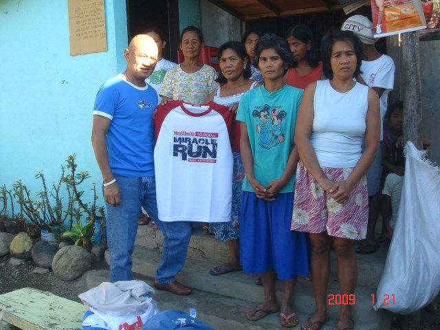Finisher's T-Shirt From Runner-Bloggers