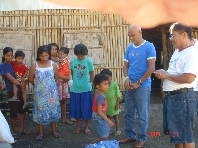 """A """"Pray-Over"""" Concluded the Donation by the GK Project Director"""