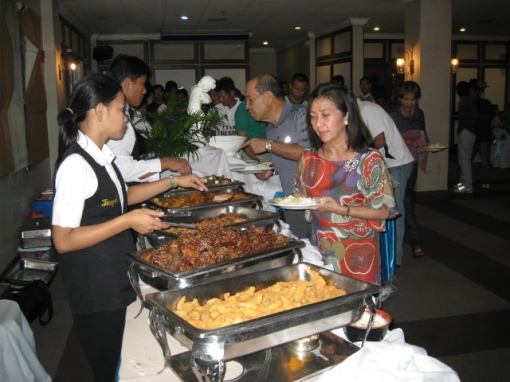 Buffet Dinner Party For Everybody