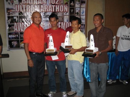 Top 3 Winners (Jessie Ano, Ed Villanueva, & Mamerto Corpuz) With Their Trophy & Cash Prize