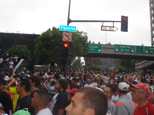 More Runners At The Cross Streets
