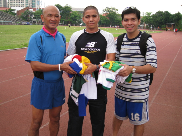 """Ultrarunners Ronnie aka RunnerForChrist & Dennis Enriquez Donated """"Used"""" Finisher's T-Shirts"""
