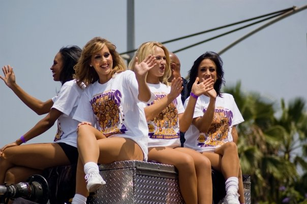 LA Lakers Cheerleaders (To The Hardcores, Any Comments?)