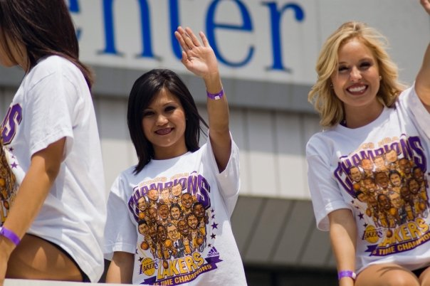More Pics of the Lakers Cheerleaders