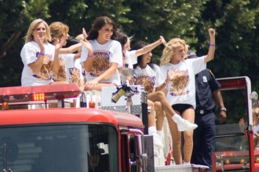 More LA Lakers Cheerleaders