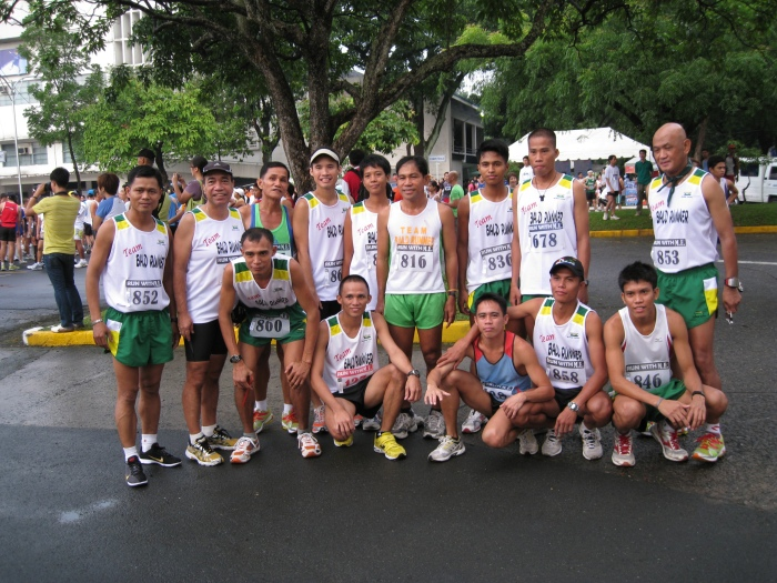 Teams Bald Runner Before The Race