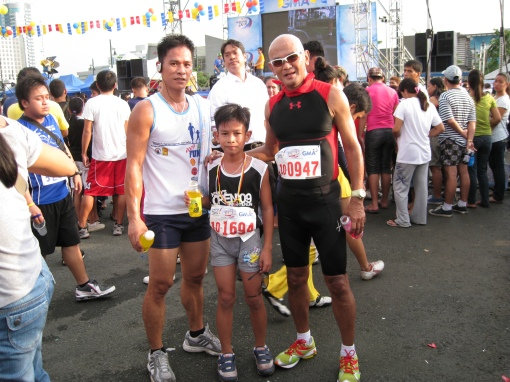Kid Lindangan (11-year old young runner) & Dad After The Finish Line