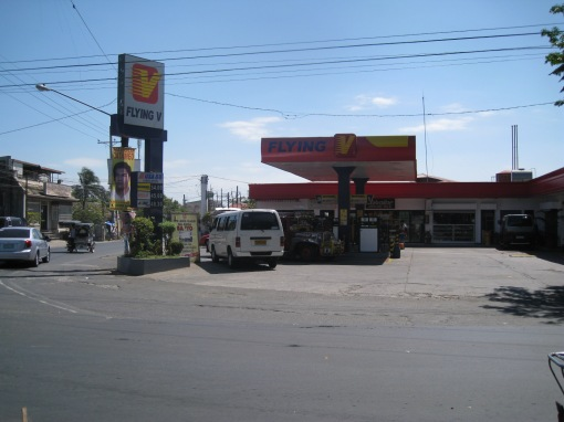 FLYING V Gas Station Across The SHELL Gas Station (Starting Area)