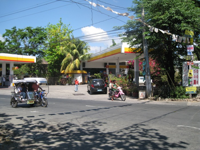 Another View of The SHELL Gas Station From the Manila East Highway