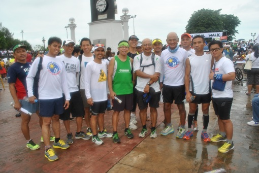 With Ultra Runner & Blogger Father Picx Picardal