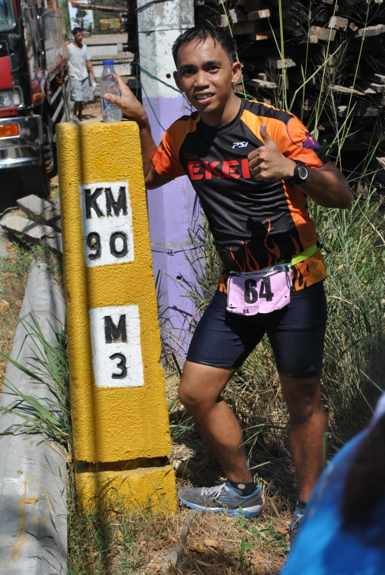 1st Runner To Reach Km #90, Jaylord Ballao