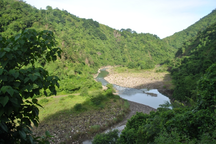 A View of The Buaya River From The Road