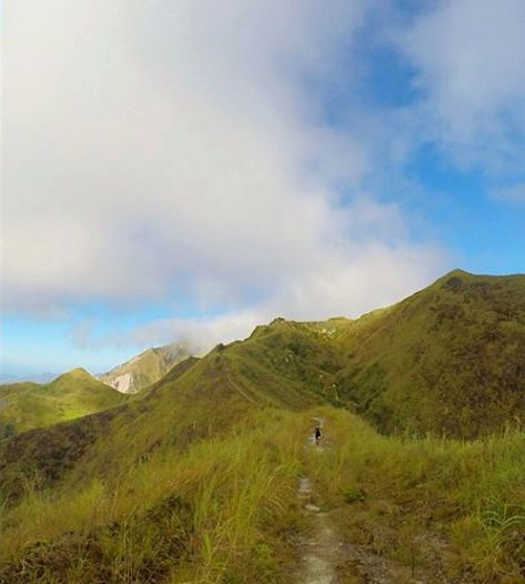 Single-Track Trail Leading To The Peak Of Mt Miyamit (Photo By Chips Dayrit)