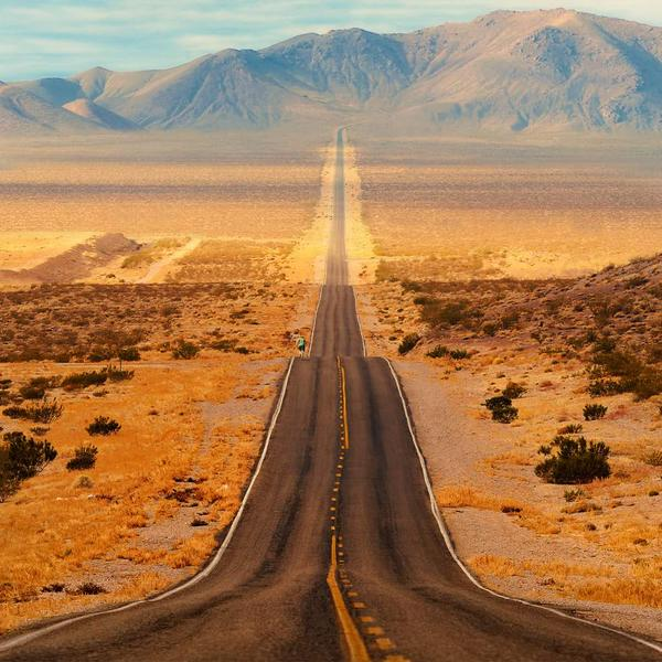 Never-Ending Highway @ Death Valley Park