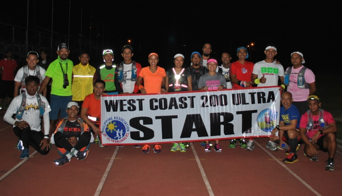 18 Runners At The Starting Line